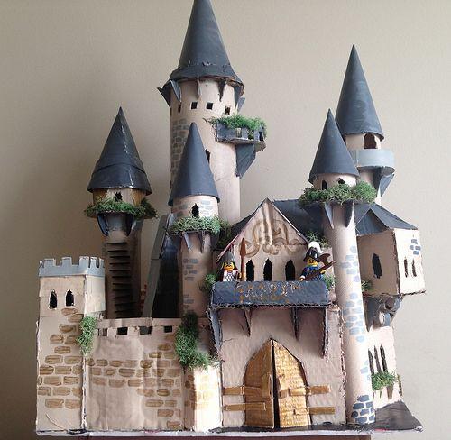 """""""Ghadyn Manor"""" Cardboard Castle"""