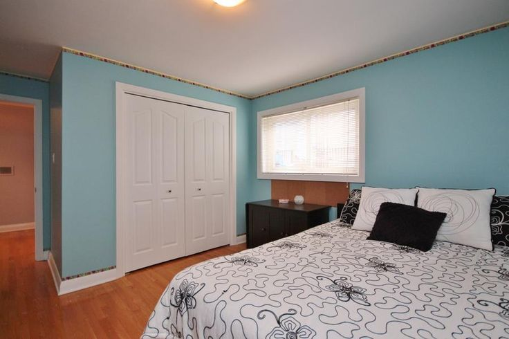 Large Guest room which doubles as a craft room. #Ottawa #ottawarealestate