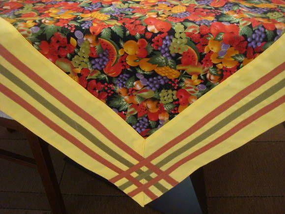 Toalha de mesa com barrado e viés Mais