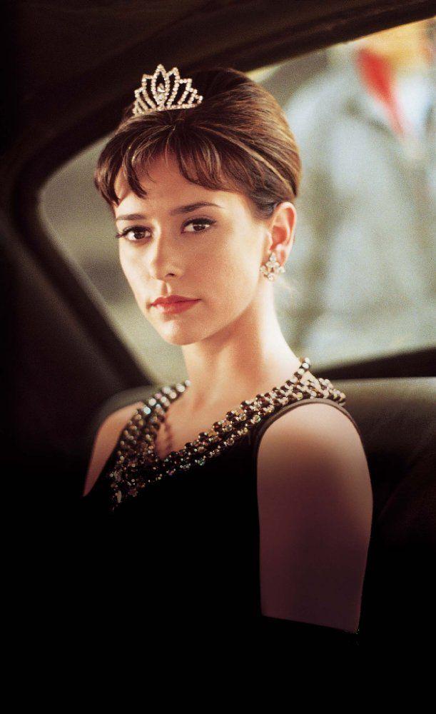Jennifer Love Hewitt as Audrey in The Audrey Hepburn Story (2000)