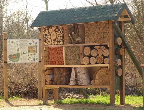 de 24 beste afbeeldingen over insectenhotel op pinterest. Black Bedroom Furniture Sets. Home Design Ideas