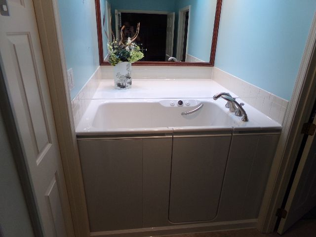 This Walk In Bath By Kohler Can Be A Great Way Senior Proof A