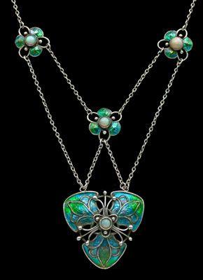 LIBERTY & CO  Arts & Crafts Necklace  Silver, enamel & opal 1900