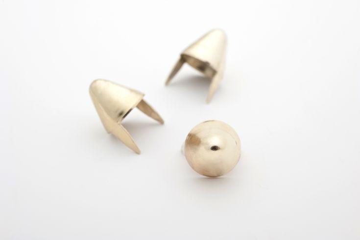 stud - Cones Tall English77 Golden  ☆ Bag of 100 - $4.22 ☆ Bag of 500 - $20.10 ☆ Bag of 1000 - $37.08