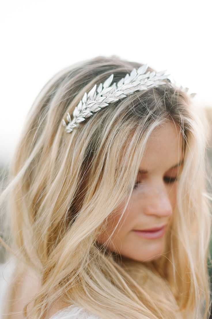 bridal hair accessories - http://ruffledblog.com/malibu-coastal-bohemian-wedding-inspiration