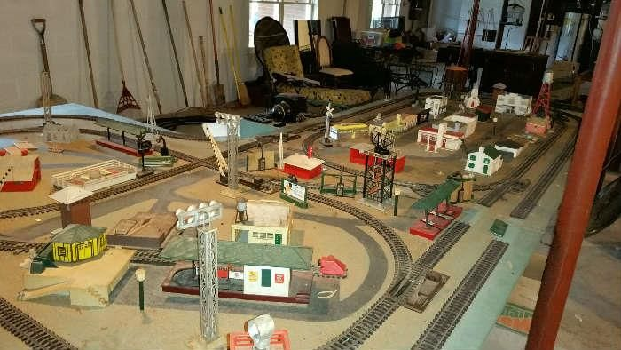 how to construct lionel train track