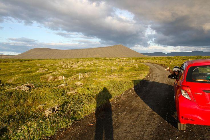 Se quisermos ser completamente directos poderíamos dizer que Myvatn é a região mais bonita da Islândia, onde as paisagens são verdadeiramente avassaladoras e as manifestações da natureza são de cortar a respiração. Mesmo depois de todos os dias ser surpreendida por lugares e paisagens magníficas, Myvatn tem muito mais a acrescentar. A região de Myvatn, …