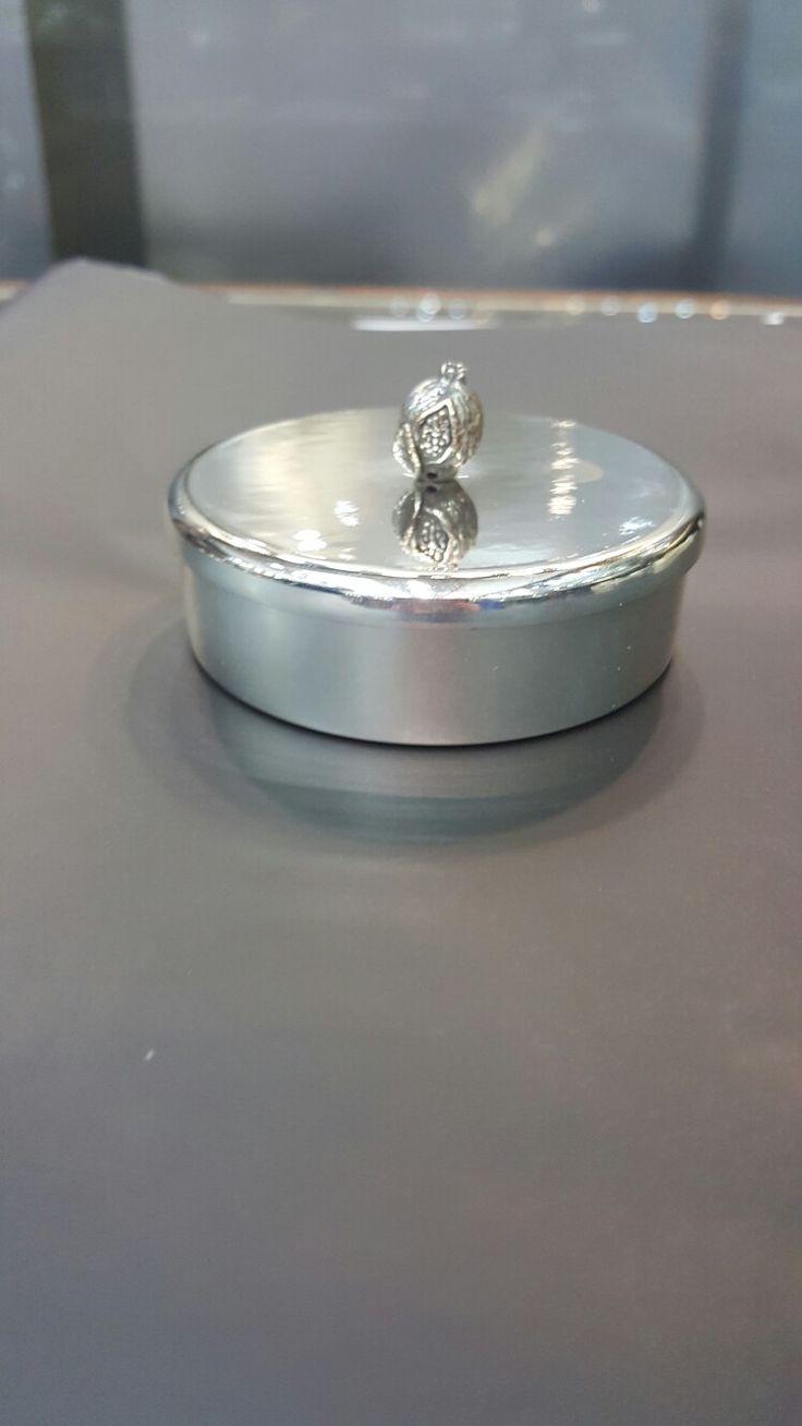 Nar motifli 925 ayar Gümüş kaplama kutu modelimiz  #gumuskaplama #gümüşkaplama #sekerlik #şekerlik #bonboniere #nikah #susleme #süsleme #organizasyon #dugun #düğün #wedding #nikahsekeri #nikahşekeri #soz #söz #nikahhediyesi #bebekmevlüdü #babyshower
