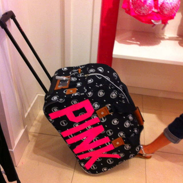 10 best Luggage images on Pinterest | Victoria secret pink ...
