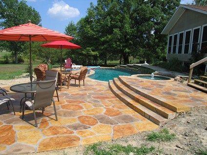 Pool concrete sidewalk designed to resemble natural stone / Dallas Concrete Pool Decks, Sublime Concrete Solutions LLC. Fairview, TX