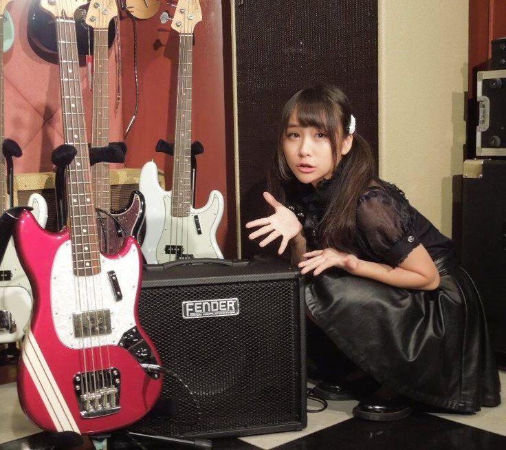 """増井みお☆(9/9日本青年館) on Twitter: """"本当にありがとうございます♪""""@Fender_Official: ガールズロックユニット「ぱすぽ☆」の増井みお さん!FENDER Bronco 40ベースアンプを使いこなすべく奮闘開始! 練習にも最適なベーアンです。 http://t.co/aNdbgHJaT9"""""""""""