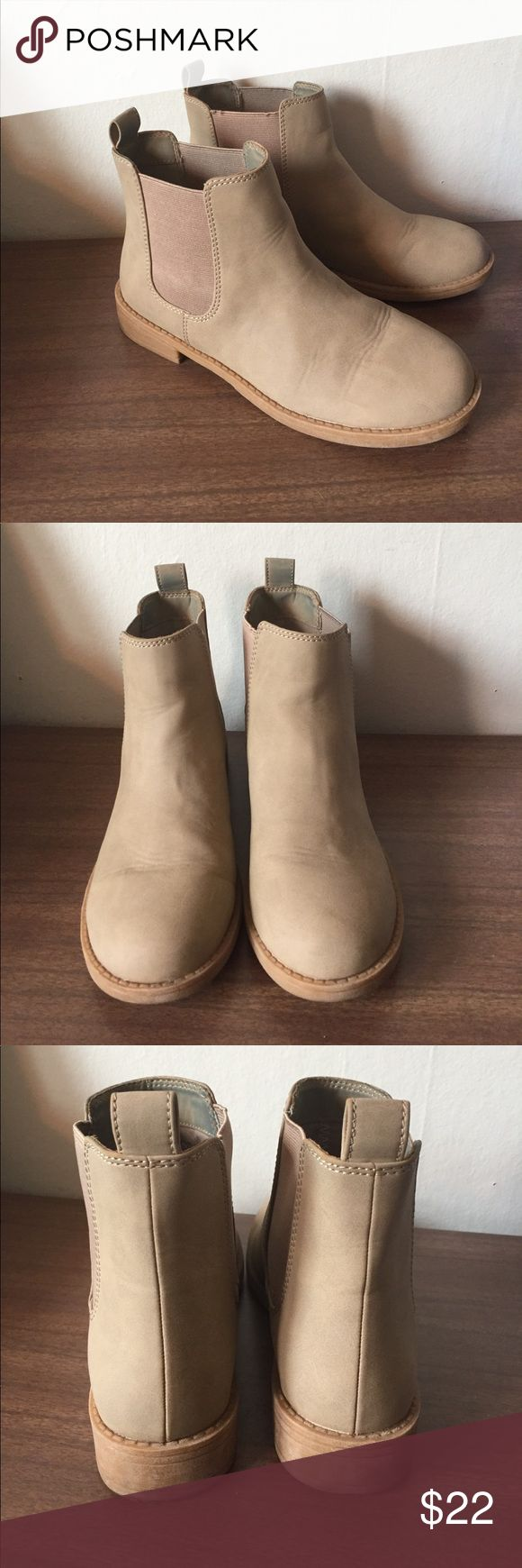 Tan Chelsea Boots Great condition fit true to size H&M Shoes Ankle Boots & Booties