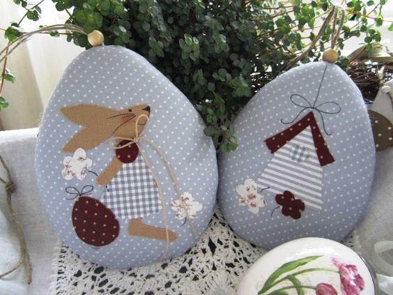 PINGENTES DE PÁSCOA | Os pingentes em forma de ovo são uma boa idéia para enfeitar a árvore de Páscoa. As aplicações dão p toque especial. #inspiracao #decoracao #pascoa #DIY #SpenglerDecor