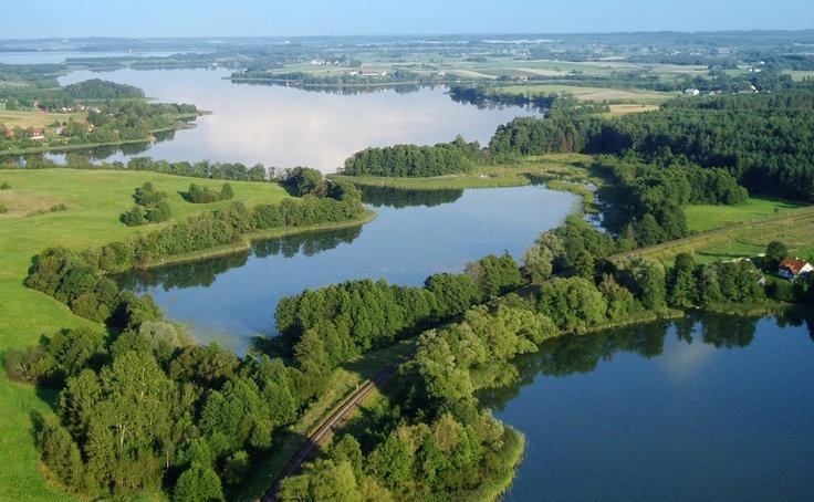 Mazury je historickoetnografická oblast v severovýchodním Polsku. Geograficky je součástí Mazurského a Ilavského pojezeří a administrativně náleží do Varmijsko-mazurského vojvodst