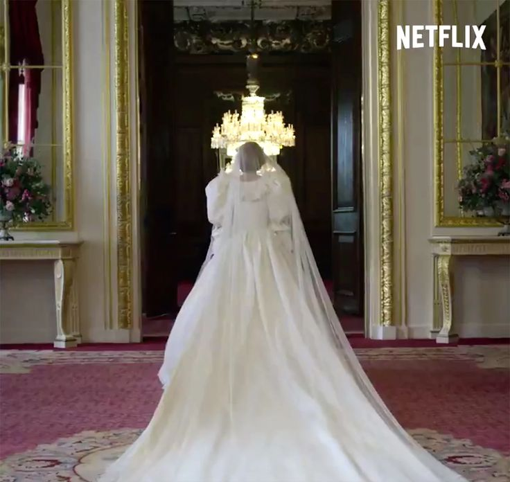 The Crown Star Emma Corrin On Wearing Princess Diana S Wedding Dress Everyone Went Silent In 2020 Princess Diana Wedding Dress Diana Wedding Dress Princess Diana Wedding