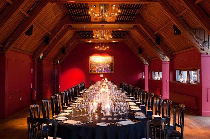 Jacobite room banquet setting historic scotland for Room interior design edinburgh