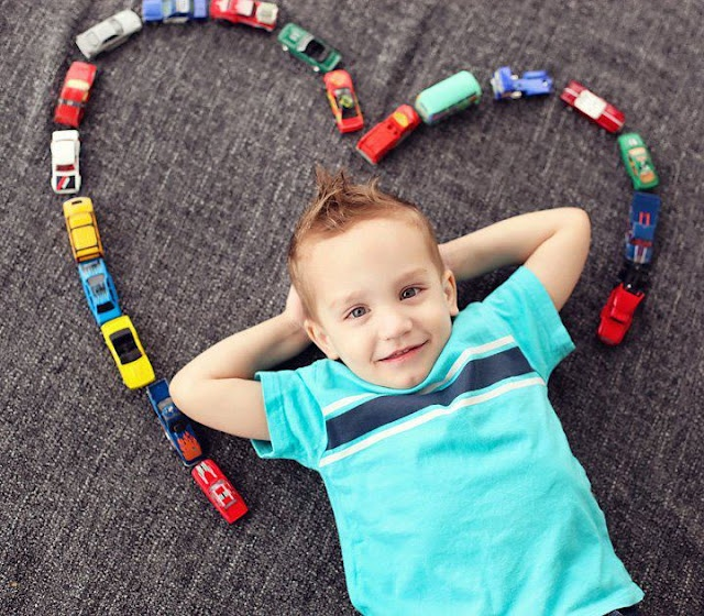 Love this picture idea for a little boy, could use lego creations too!