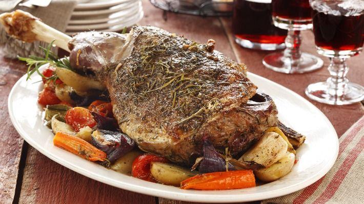 Lammestek med grønnsaker i ovn