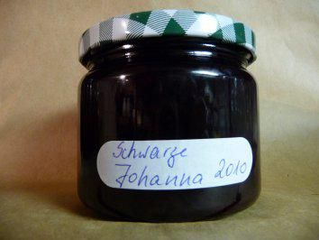 Das perfekte Marmelade: Schwarze Johannisbeere-Rezept mit einfacher Schritt-für-Schritt-Anleitung: Die Johannisbeeren säubern,waschen und den Zucker…