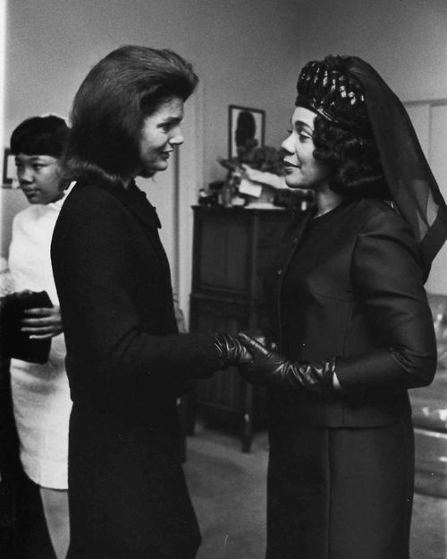 Former first lady Jackie Kennedy (whose husband President John F. Kennedy had been assassinated in 1963) and Coretta Scott King at Martin Luther King Jr.s 1968 funeral. /Moneta Sleet Jr/Ebony Collection