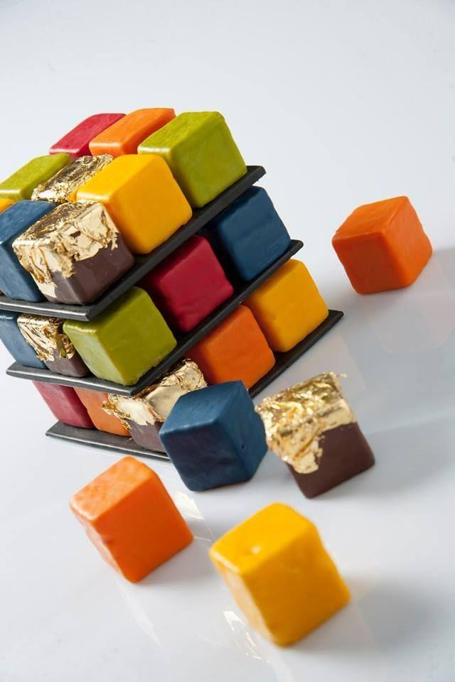 Rubik´s cake || Mini bolos de limão, maracujá, anis, chocolate e pistache  :: por Cédric Grolet ::