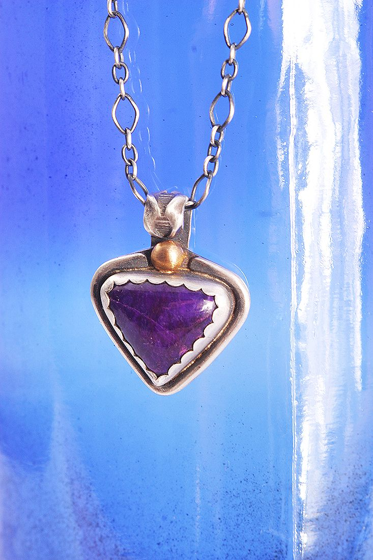 Hand-fabricated Jewerly: South African Sugilite pendant in sterling silver with 22k gold detail by Lisa Marie Morrison. Photo Pablo Rivera, Chile.