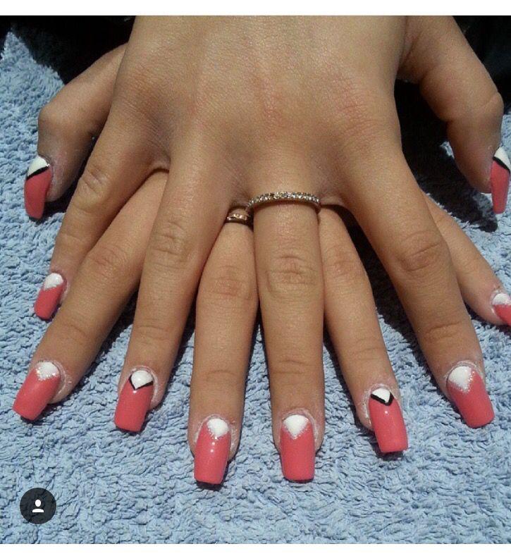#ricostruzione unghie #nails #nail art #corallo #white