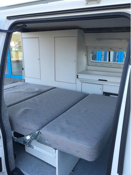 les 25 meilleures id es concernant peugeot expert sur pinterest camionnette camion de camping. Black Bedroom Furniture Sets. Home Design Ideas