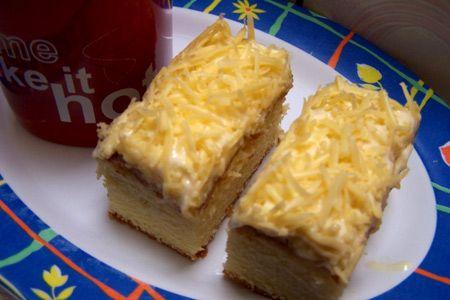 Resep Kue Keju Kukus – Sebelumnya admin sudah share resep kue keju tanpa krim keju dan resep kue sagu keju, kali ini masih menggunakan bahan keju namun kal