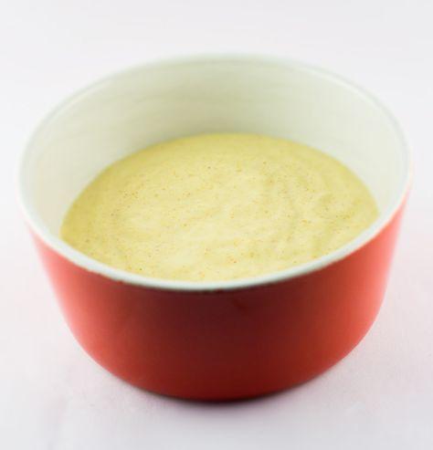 3 eetlepels mayonaise 4-5 eetlepels water 2 koffielepels currypoeder Doe al de ingrediënten in een kom en meng met een klopper. Zet de saus een 20-tal minuten in de koelkast. Zo komt de saus mooi op kleur. Misschien ook interessant Pita kip Recept currysaus Kipreepjes met currysaus en ananas