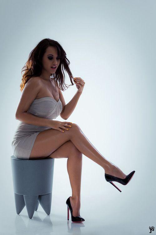Wow...she has girl power.   beauty in all sizes   Women ...