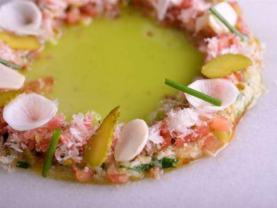 Receta | Ensalada de berenjena ahumada y salazones - canalcocina.es