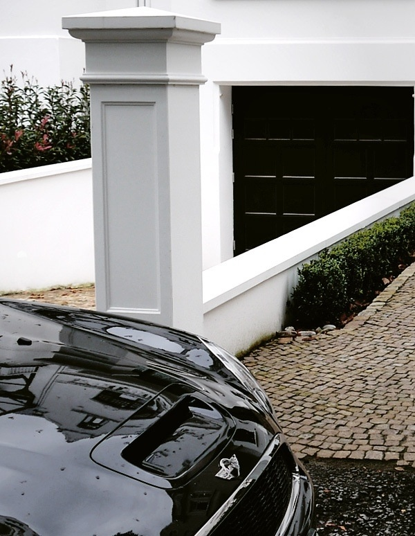Brick Driveway Entrance