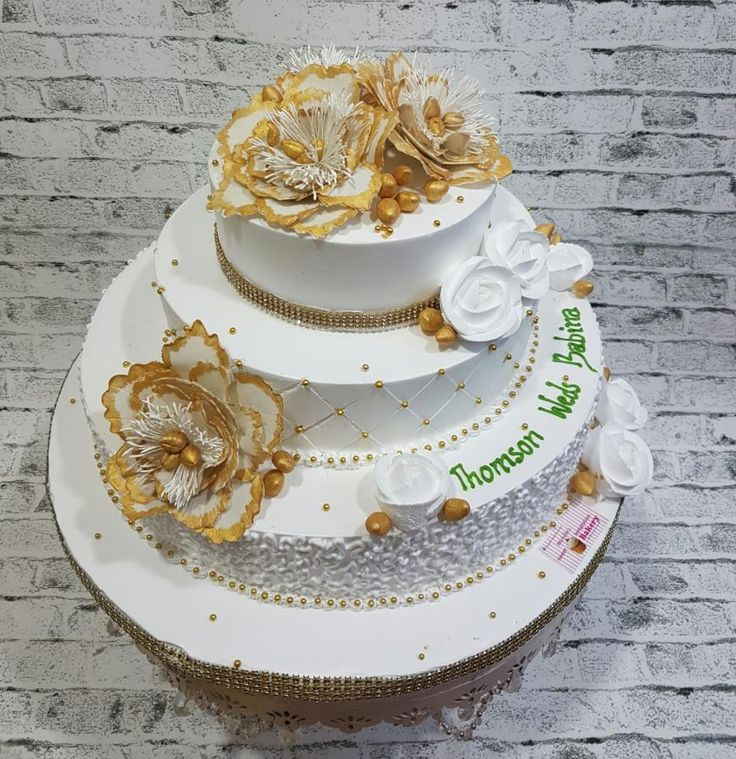 Wedding Cake  by Michelle's Sweet Temptation