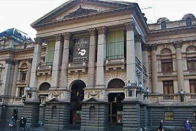 Take a free tour of Melbourne's historic Town Hall and learn about its architectural, social and political significance.
