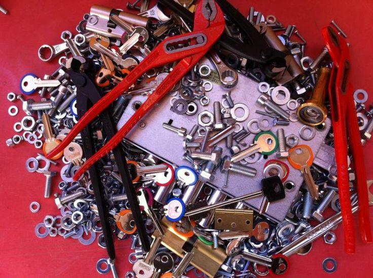 Aperture porte e cambi di serrature brescia e provincia 0302056104