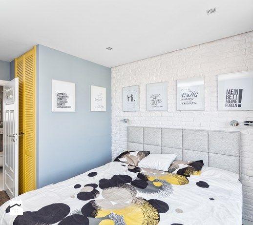 Aranżacje wnętrz - Sypialnia: Mieszkanie w Śródmieściu - Średnia sypialnia małżeńska z łazienką, styl nowoczesny - KRAMKOWSKA | PRACOWNIA WNĘTRZ. Przeglądaj, dodawaj i zapisuj najlepsze zdjęcia, pomysły i inspiracje designerskie. W bazie mamy już prawie milion fotografii!