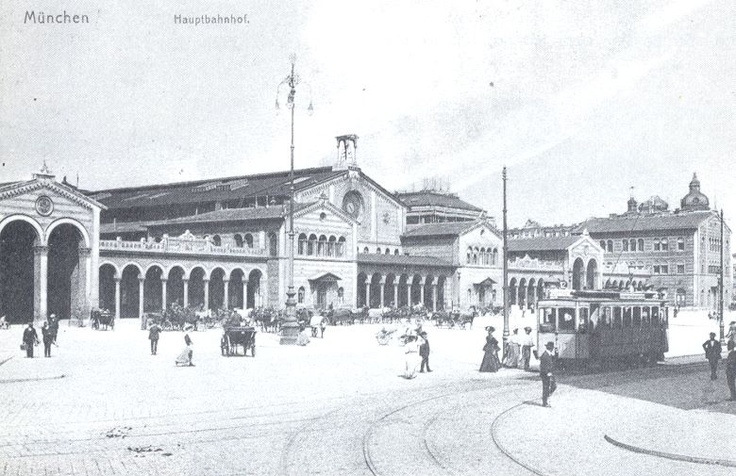 "Front view of Main Trainstation ""Hauptbahnhof"" (1906)"