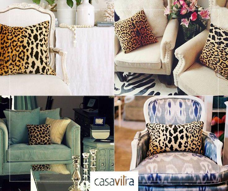 Para deixar o visual da sua sala muito mais especial, faça um mix com almofadas de cores diferentes. Almofadas com estampa de oncinha são a nossa sugestão para hoje!