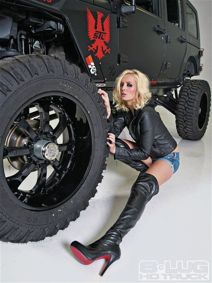 Eight Lug Jeep 2009 Jeep Wrangler 2009 Jeep Wrangler With Model Annelise Jorgenson Photo 3