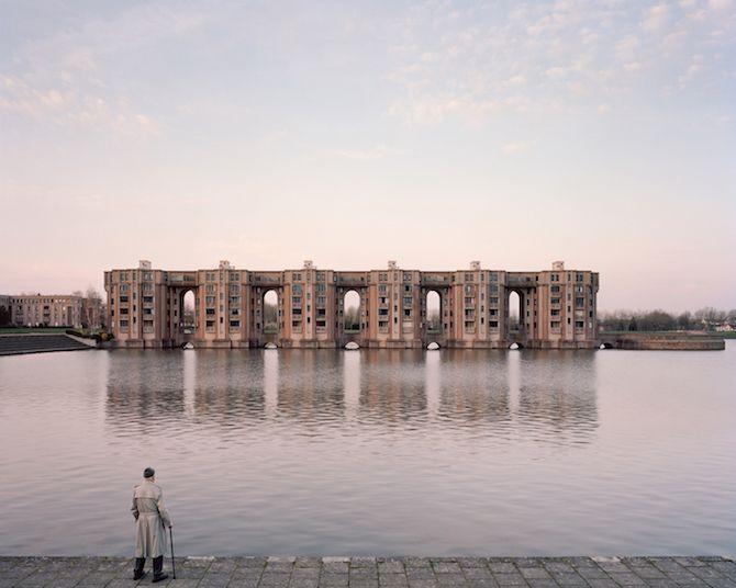 les Bâtiments délabrés oubliés dans Paris capturés par Laurent Kronental (1)