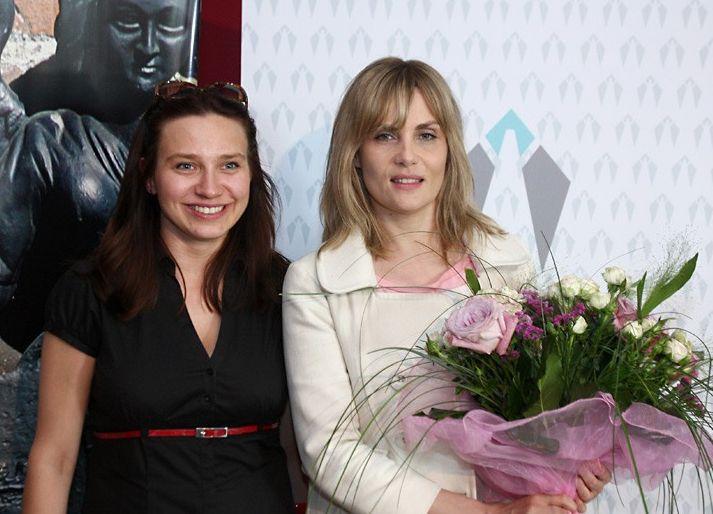 """Emanuelle Seigner, special guest of Tofifest FF (left - festival director Kafka Jaworska); French actress (""""Frantic"""", """"Venus in the Fur"""")"""