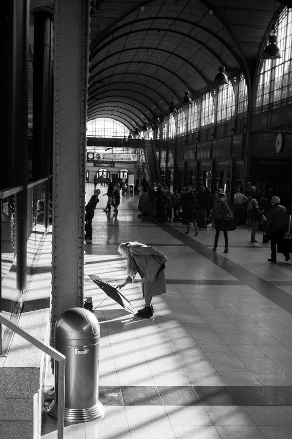 #maxshot #photography #BW #blackandwhite #bnw #monochrome #instablackandwhite #monoart #insta_bw #bnw_society #bw_lover #street #streetphotography #wrocław #pkp #dworzec  #Poznań #fotograf