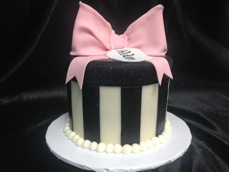 Bow Cakes White And Black