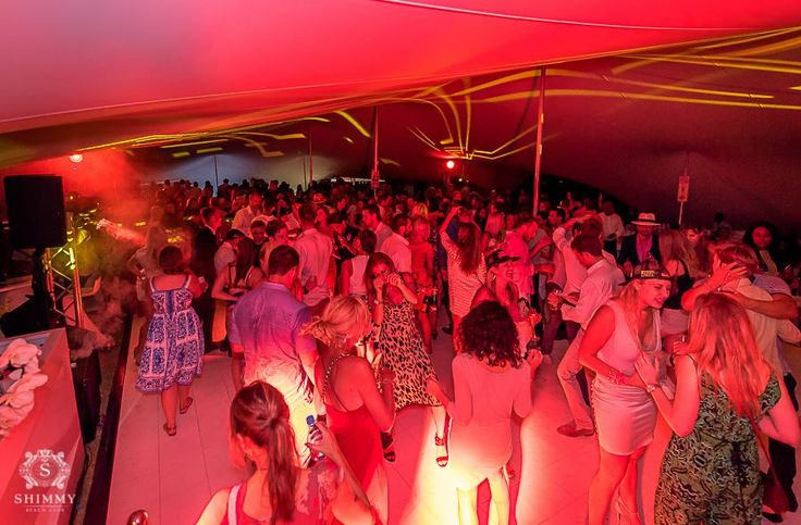 Thank you to everyone who joined us at Val de Vie Estate for the Veuve Clicquot Masters Polo 2016 and our incredible Shimmy after party! Congratulations to team Veuve Clicquot who won with an amazing score of 7 - 3 against Julius Baer.