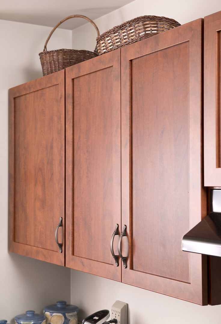 201 best rustic and farmhouse kitchens images on pinterest for Builder grade oak kitchen cabinets