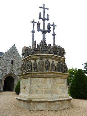 Calvaire monumental de Plougonven enclos paroissial plougonven Monts D'arré Bretagne baie de morlaix