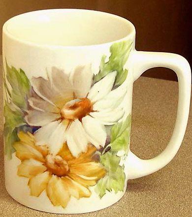 ** Hrníček na kávu - malovaný porcelán, kopretina **