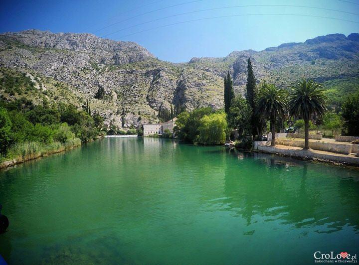 Ujście rzeki Ombla do Adriatyku || http://crolove.pl/ombla-najkrotsza-rzeka-w-europie/ || #Chorwacja #Croatia #Hrvatska #Ombla #river