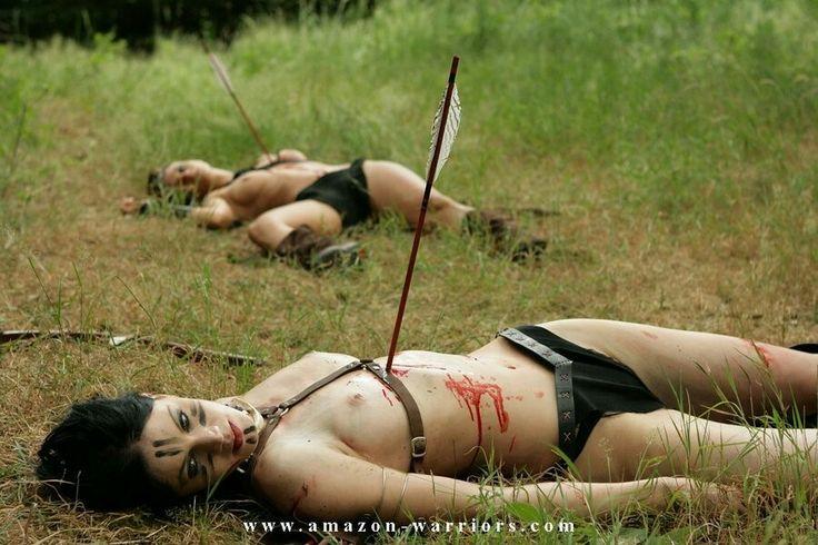 фото убитых голых женщин
